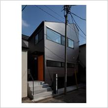 青梅街道の住宅(地下+木造2階)