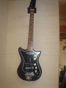 BURNS・TRISONICギター