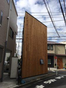 敷地面積4坪、建坪2.7坪、木造2階の狭小住宅モデルハウス