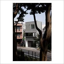公園前の家(1)