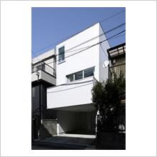 五反野の白い家(木造3階)