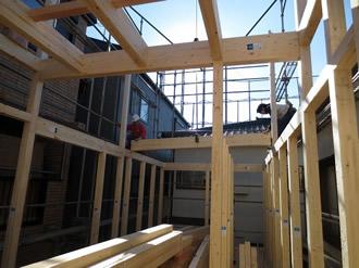 平間の住宅、上棟の様子1